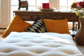 Organic futon mattress made from organic cotton and wool
