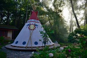 18ft traditonal Nomadics Tipi as a backyard hide-out