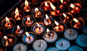 Image: lit and unlit candles. Non-toxic candles.